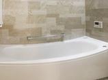 バスルームリフォームゆっくりくつろげる、高級感のある浴室&洗面所
