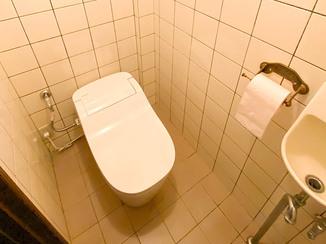トイレリフォーム お掃除が楽でひろびろ使えるタンクレストイレ